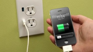 5 mẹo tiết kiệm pin điện thoại khi đi du lịch